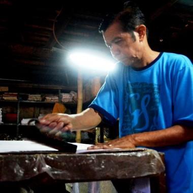 TENTANG PRODUKSI BATIK CAP DI INDONESIA